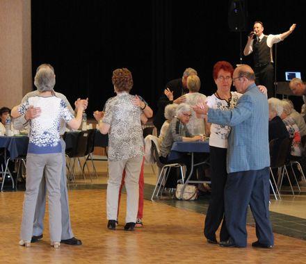 Goûter dansant des aînés