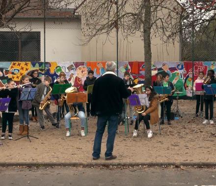 Ensemble avec l'Orchestre à l'École